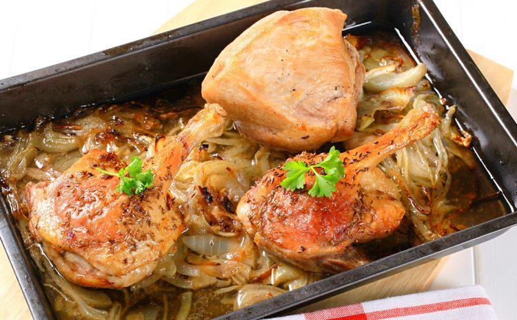 Friptură de pui cu ceapă și usturoi verde